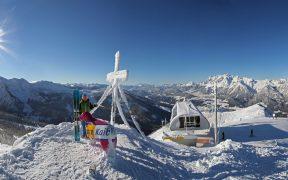 Čtyři vrcholy za jeden den zvládnete na lyžích (i s dětmi) ve Schladmingu