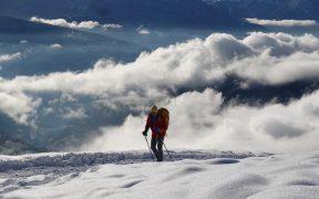 Zimní prolog. V prosluněném prašanu Villanderského údolí Jižního Tyrolska
