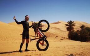Triatlon v zimní alžírské Sahaře je nejlepší letní tábor na světě