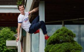 Sedm párů lezeček, závodní dres a 34 kousků olympijské kolekce. Mistr Ondra už balí do Tokia
